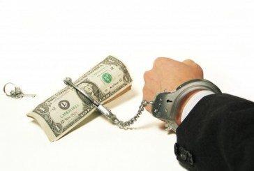 На Тернопільщині працівник військомату підбурював надати військовому комісару 1600 доларів хабара