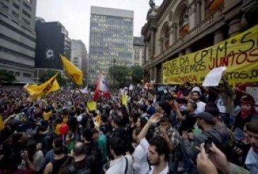 Бразилію охопили масові безлади: людям набридли корупція і бідність