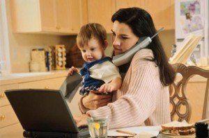 Жінкам зараховуватимуть до страхового стажу період декретної відпустки