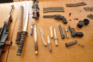 На дачі тернополянина знайшли коноплю та арсенал зброї