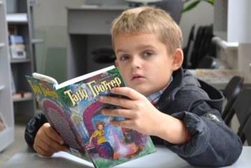 За навчальний рік восьмирічний Дмитрик Щирба «подолав» 10 тисяч сторінок прозових книг!