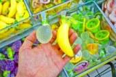 Розтопленими цукерками «made in China» можна клеїти шпалери