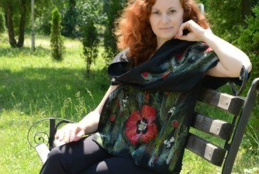 Тернополянка вдягнула у вовну модниць зі США і Європи