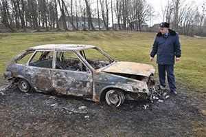 Замість феєрверку підпалили чуже авто