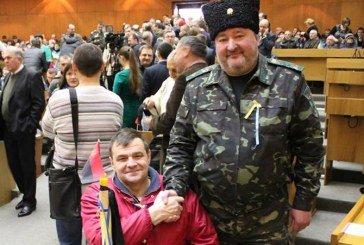 Тернополянин подарував Михайлу Гаврилюку бронзового козака
