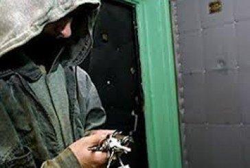 Оперативники затримали злодія, який обкрадав квартири тернополян