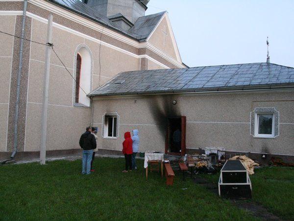 За ніч в селі на Тернопільщині горіли одразу дві церкви