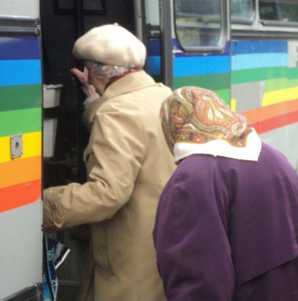 У Тернополі пенсіонери займатимуть черги до маршруток: пільговиків поменшає