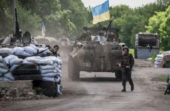 Найкращі дипломати - українські вояки, що тримають оборону на східному фронті