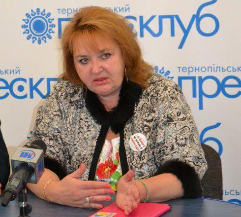 У Тернополі росіянка Олена Васильєва розповіла, як шукала в Україні злобних бандерівців та укрофашистів, які їдять дітей