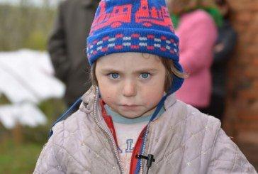 На Тернопільщині кілька сотень людей шукали у лісі п'ятирічну Тетянку