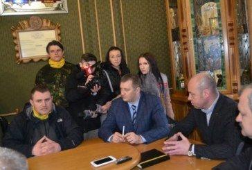 У Тернополі громадські активісти вимагають припинити будівництво на Привокзальній площі