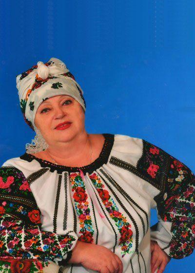 Тернополянка Олександра Кара пише вірші-обереги для воїнів АТО