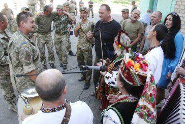 Тернопільські волонтери організували у зоні АТО мистецький десант (ФОТОРЕПОРТАЖ)