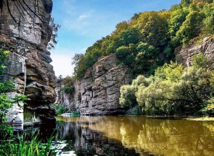 Невідомі водойми України: 15 унікальних озер, водоспадів, каньйонів і заток (ФОТО)