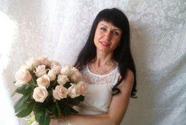 Тернополянка Наталя Сташків із зерен «робусти» та «арабіки» створює кавові «літаючі» горнятка й деревця - топіарії (ФОТО)