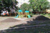 Недитяча халепа у Тернополі: пане мер, відкрийте майданчик на проспекті Злуки, 57 ще раз (ФОТО)