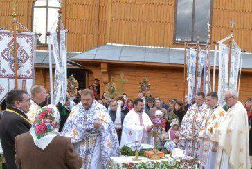 У селі на Тернопільщині, де бував Митрополит Андрей Шептицький, вірні приклалися до його мощей (ФОТО)