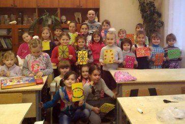 Діти Збаражчини виготовили вітальні листівки для бійців АТО (ФОТО)