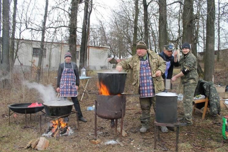 У Хоросткові провели відкритий чемпіонат міста з ловлі риби на  мормишку (ФОТОРЕПОРТАЖ)