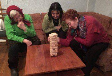 У Тернополі пенсіонери можуть пограти в «Дженгу» чи «Твістер» (ФОТО)