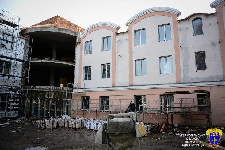 """У """"Тернопільській університетській лікарні"""" споруджують радіологічний корпус"""