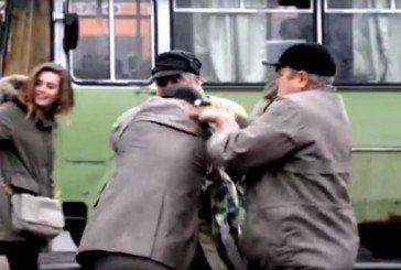 Курйоз у Львові: під час гімну дідусі влаштували бійку