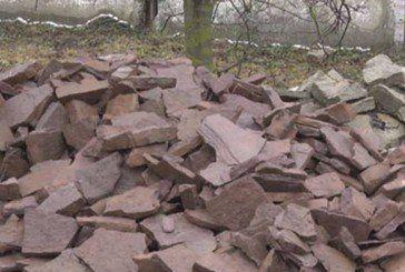 На Бучаччині масово розкрадають червоний камінь (ФОТО)