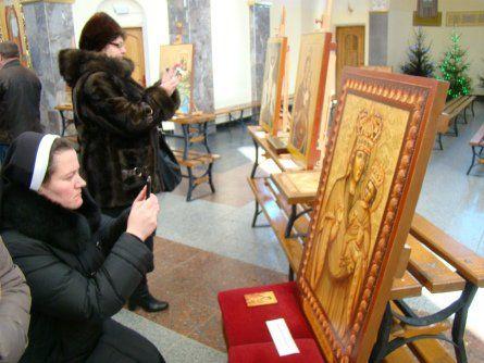 У Зарваниці на Тернопільщині відкрили виставку ікон учасників Першого Всеукраїнського іконописного пленеру (ФОТО)