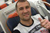 Російський боксер чемпіон світу надягнув українську футболку. ФОТО