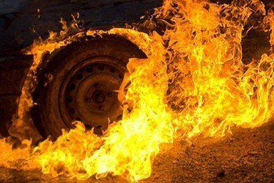 За фактом підпалу двох автівок на Тернопільщині розпочато досудове розслідування