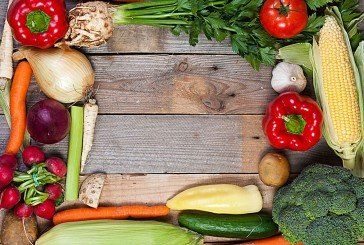 Свіжі овочі й приправи хай смакують в перших стравах