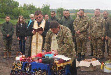 Отці з Тернопільщини освятили паски у зоні АТО (ФОТО)