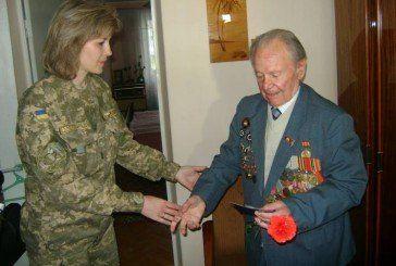Військовослужбовці Тернопільського гарнізону завітали в гості до ветеранів Другої світової війни (ФОТО)