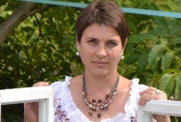 Олена Різник з Бережан зібрала рекордну колекцію театральних костюмів
