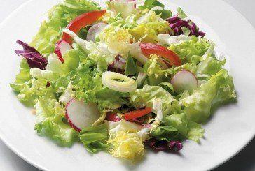 Літо-літечко у хаті: на столі – смачні салати