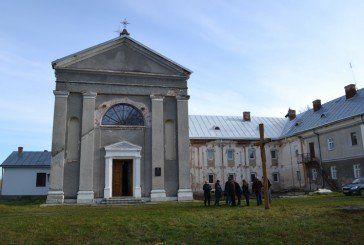 Краснопуща на Бережанщині чекає парафіян на відпуст