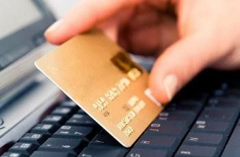 На Зборівщині чоловік обчистив кредитну картку свого товариша