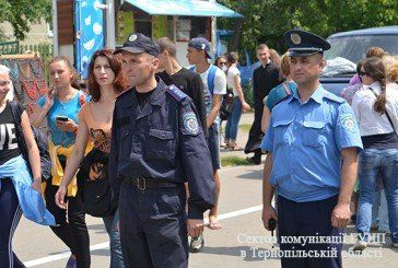 Більше двох сотень правоохоронців бережуть спокій прочан у Зарваниці (ФОТОРЕПОРТАЖ)