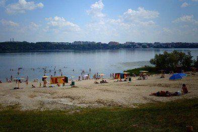Чи безпечна вода для купання у Тернопільському ставі