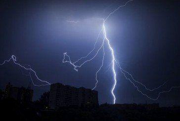 На Тернопільщині – штормове попередження: спека, грози, град