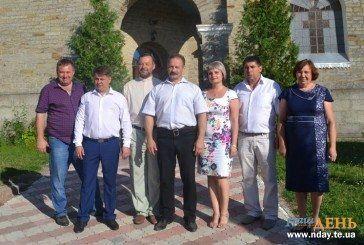 На Тернопіллі збирають багатий врожай: журналісти «Нашого ДНЯ» побували  у кращих господарствах області (ФОТОРЕПОРТАЖ)