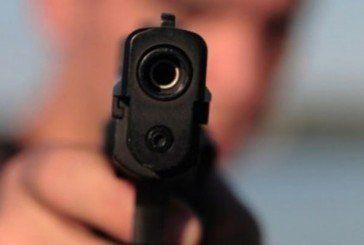 У Кременці п'яний чоловік вистрелив з пістолета в товариша