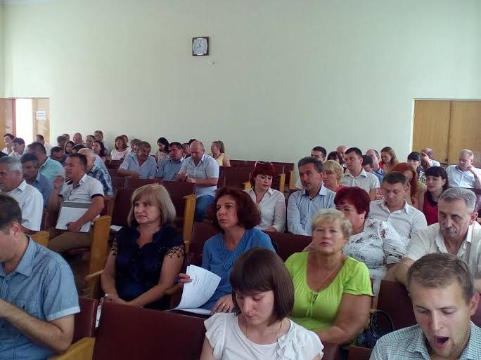 «У Тернопільському районі відновлюють Радянський Союз?»