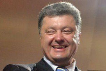 Як влада показує українцям язик