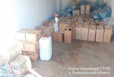 У жителя Кременця вилучили 500 літрів «паленого» алкоголю: «бізнесмен» продавав бурду із власного авто (ФОТО)