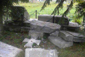 У сусідній країні спаплюжили пам'ятник воїнам УПА