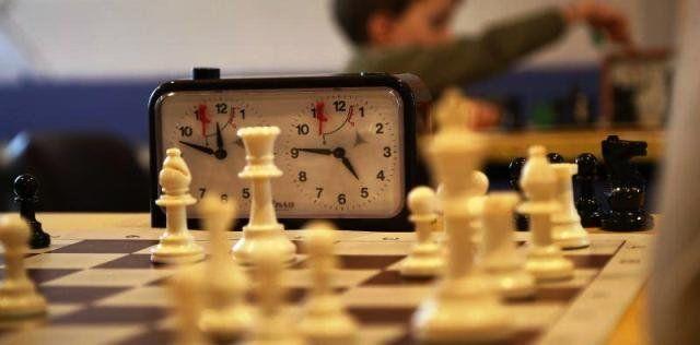 Чоловіків віком 60 років і старших запрошують на шахово-шашковий турнір у Тернополі