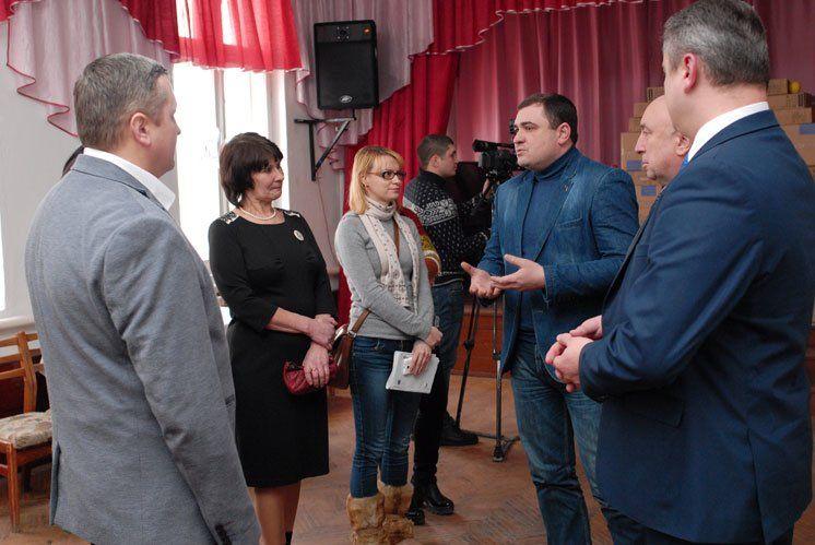 Олег Валов під час робочої поїздки в Гусятинський район