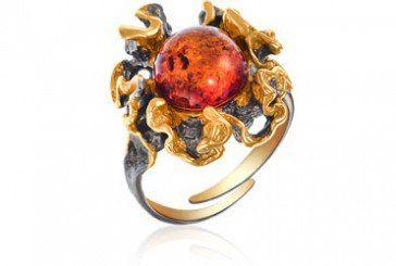 Перстень з бурштином